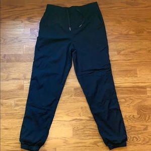 Lululemon Women's Sz 4 Black In-Depth Jogger Pants